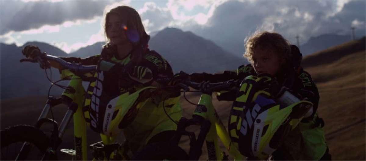 """""""Coubes Brothers"""", dos jóvenes promesas de 7 y 13 años rodando por las montañas de Suiza"""
