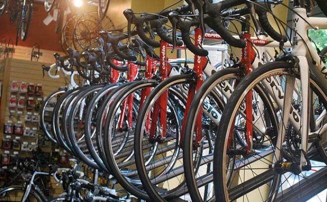 Tiendas online, grandes centros comerciales y tiendas de barrio. ¿Dónde comprar una bicicleta?