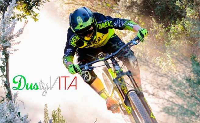 'Dusty Vita', una sesión de Enduro con los integrantes del Commencal Vallnord Enduro Team