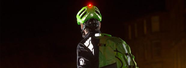 Luminite y Xtract, los nuevos cascos de Endura con luz integrada