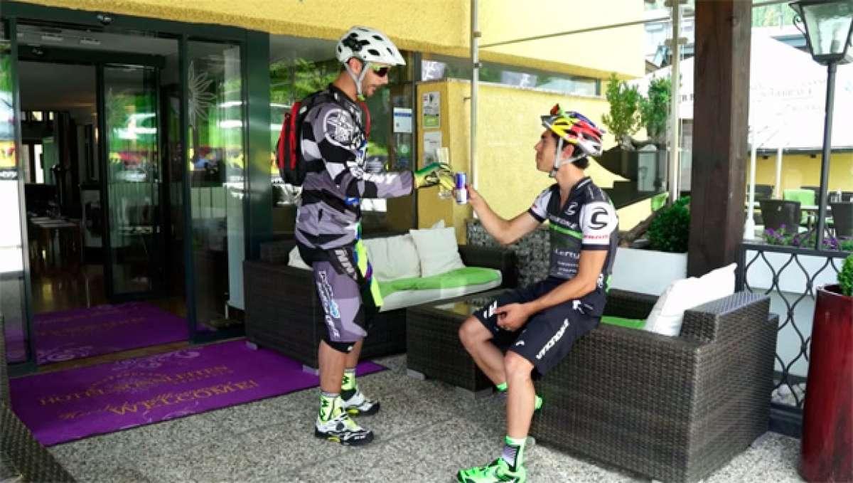 Cédric Gracia y Marco Aurelio Fontana probando (mano a mano) las nuevas zapatillas de Northwave