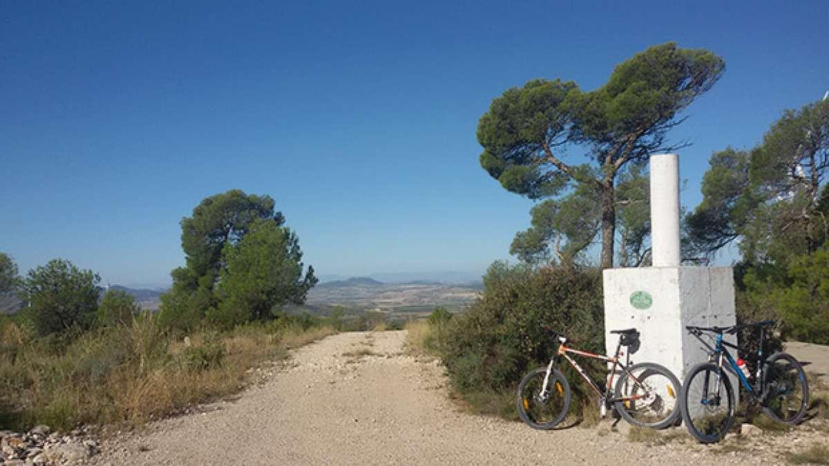 La foto del día en TodoMountainBike: 'Geodésico de Los Gavilanes'