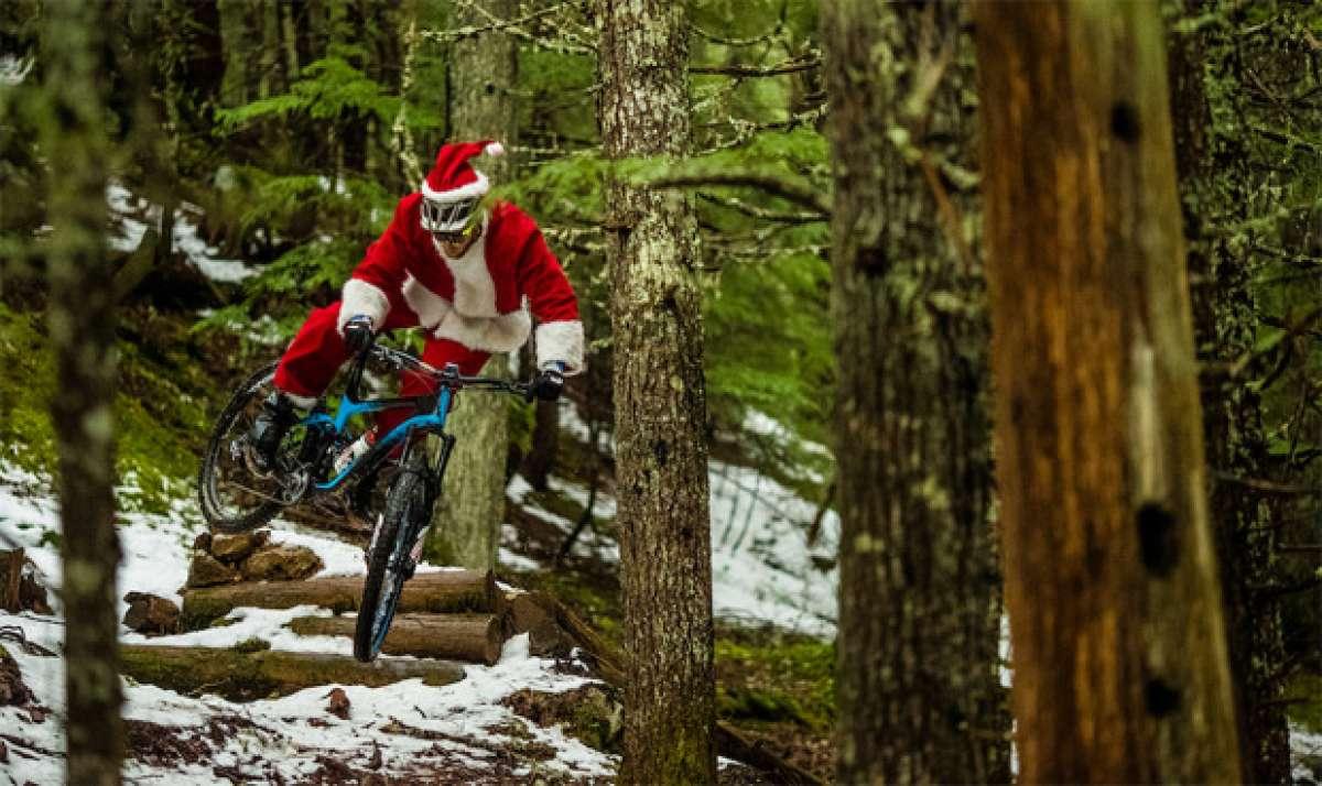 En TodoMountainBike: Fantástica felicitación navideña de parte de Giant y los corredores Josh Carlson, Yoann Barelli y Reece Wallace
