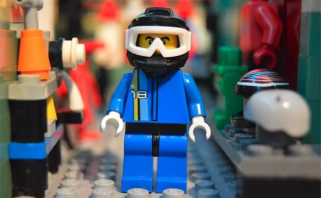 Una divertida explicación visual acerca de cómo ser un 'Mountain Biker', en versión LEGO