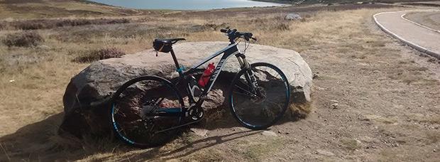 La foto del día en TodoMountainBike: 'Con vistas al lago de Sanabria'
