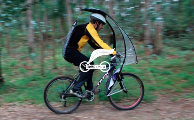 LeafXPro, un curioso paraguas plegable para bicicletas