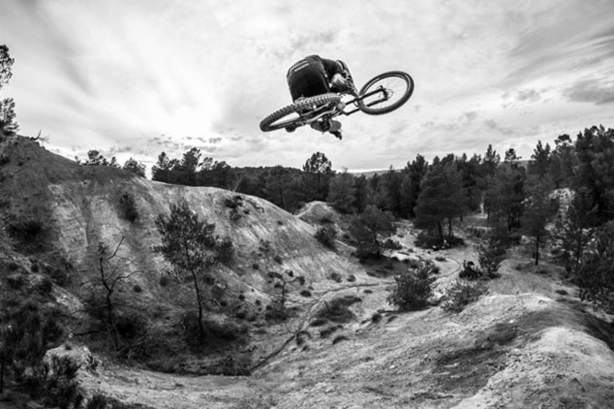 """Made in France"", Freeride extremo en el sur de Francia con Pierre Edouard Ferry"