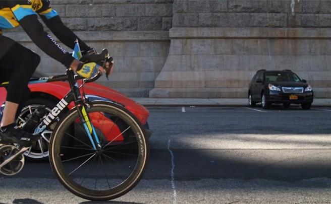 Un McLaren 675LT contra una bicicleta de carretera por las calles de Nueva York. ¿Quién gana?