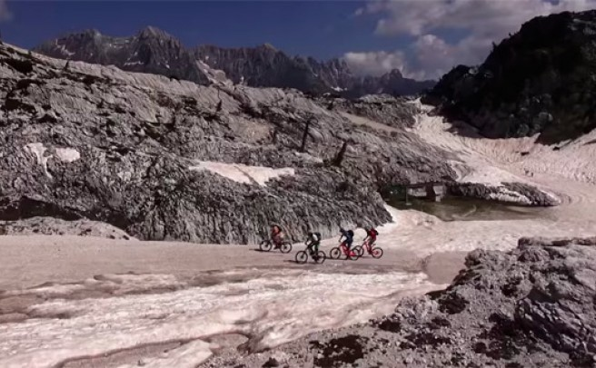 Practicando Mountain Bike en los Alpes Eslovenos con los corredores del equipo Kenda DMC