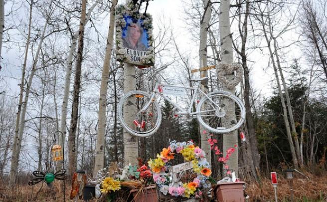 Una mujer atropella a tres jóvenes ciclistas (causando la muerte de uno de ellos) y los demanda por sufrir 'trauma emocional'
