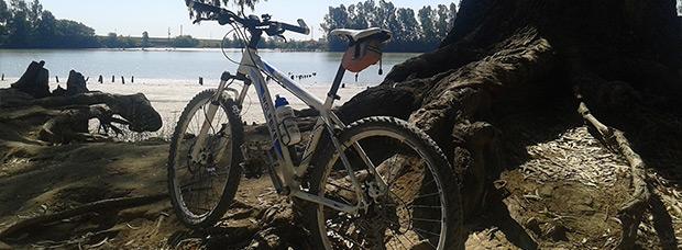 La foto del día en TodoMountainBike: 'Junto al río Guadalquivir'