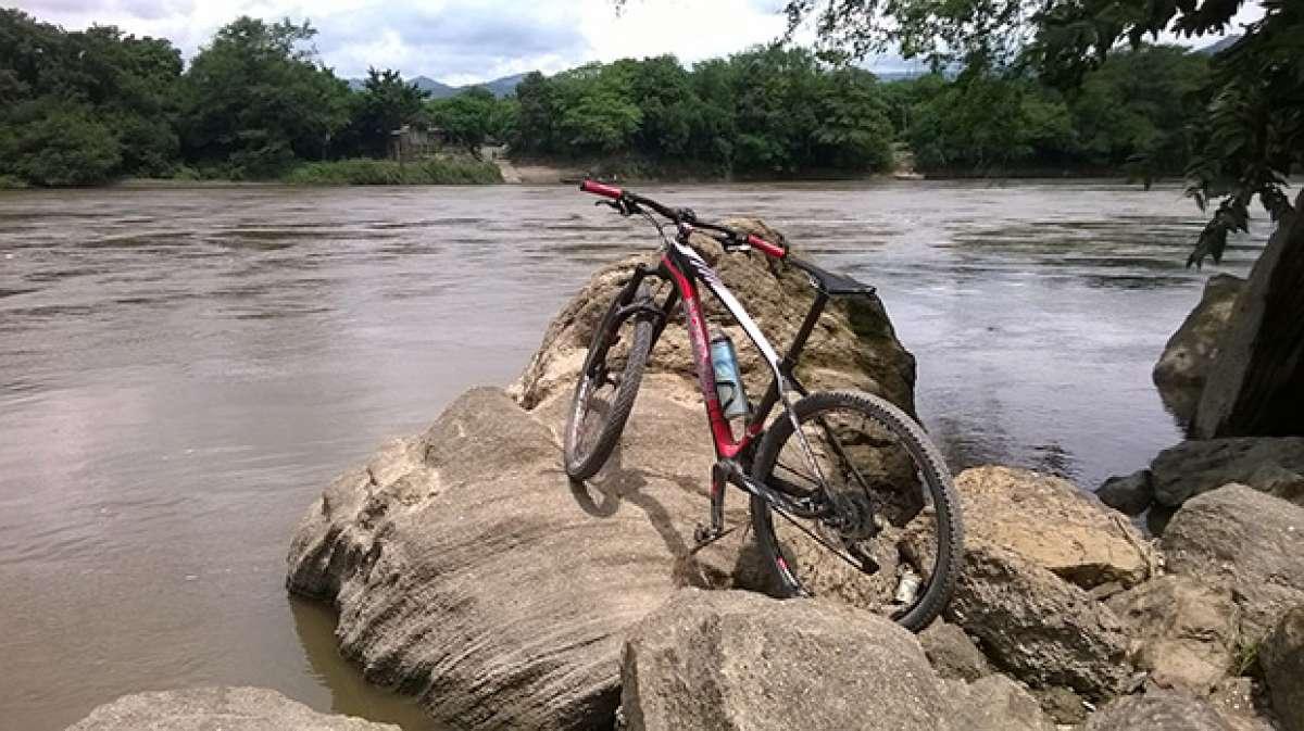 """La foto del día en TodoMountainBike: """"A orillas del Magdalena"""""""