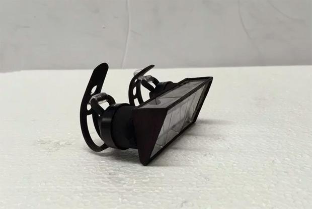 Pedi-Scope, un curioso invento para no levantar la cabeza del manillar