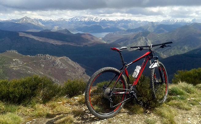 La foto del día en TodoMountainBike: 'En el pico Cueto en Boñar'