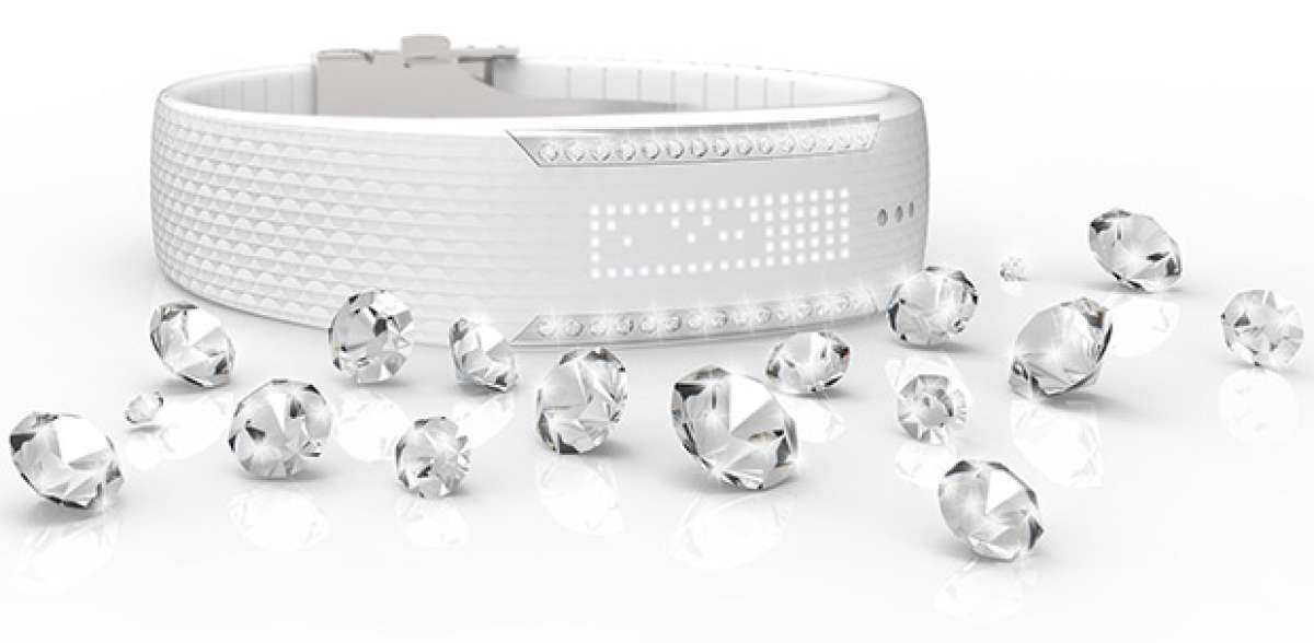 """Loop Crystal: Tecnología de Polar y """"glamour"""" de Swarovski fusionados en una pulsera deportiva"""