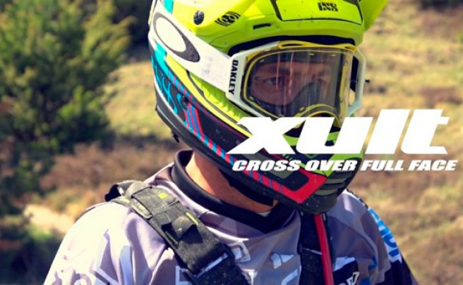Cédric Gracia y el nuevo casco integral iXS Xult en acción