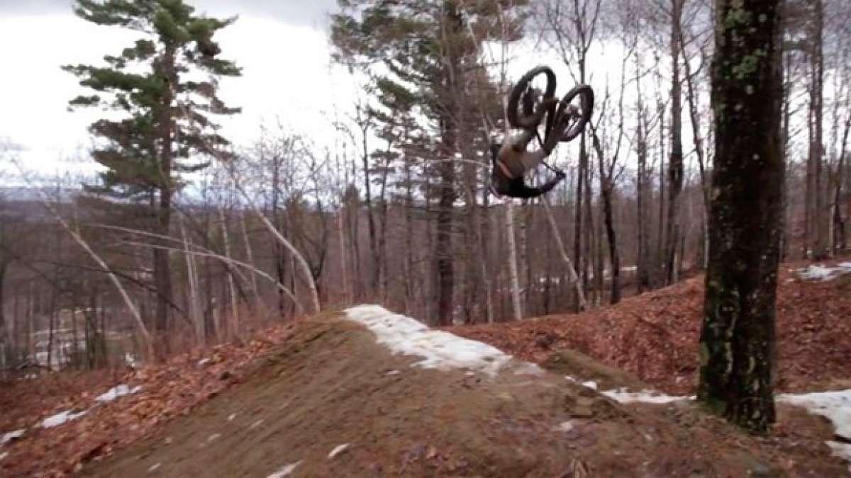 """Así rueda Aaron Chase con la nueva """"Fat Bike"""" de Pivot Cycles"""