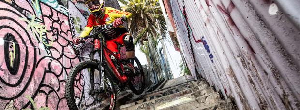 Red Bull Valparaíso Cerro Abajo 2015, el resumen de esta espectacular competición de DH urbano