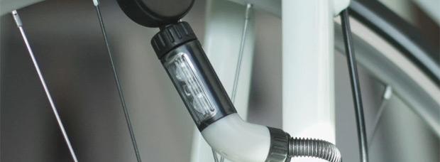 NEO, un foco electromagnético para iluminar nuestras rutas sin preocuparnos por la batería