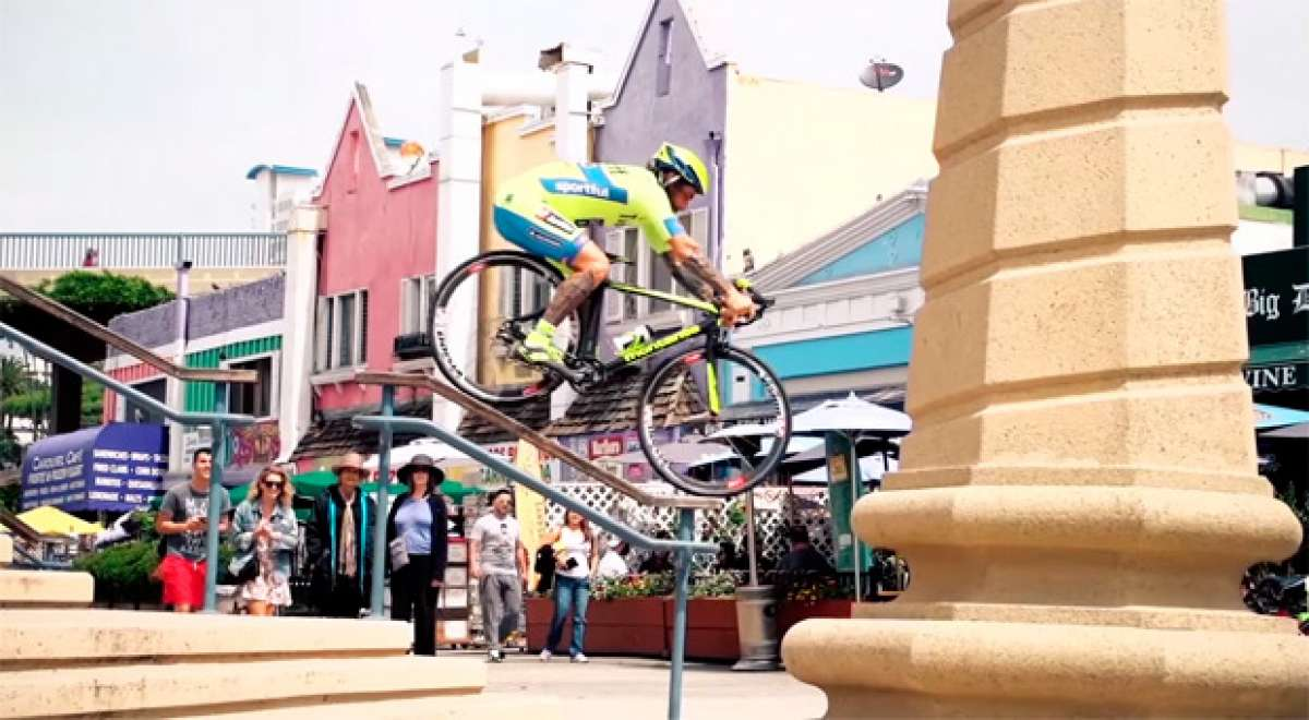 """Road Bike Freestyle 2"", las habilidades de Vittorio Brumotti sobre una bicicleta de carretera"