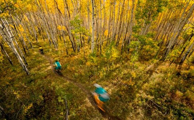 Rodando por las 'Elk Mountains' de Colorado con los chicos de Yeti Cycles