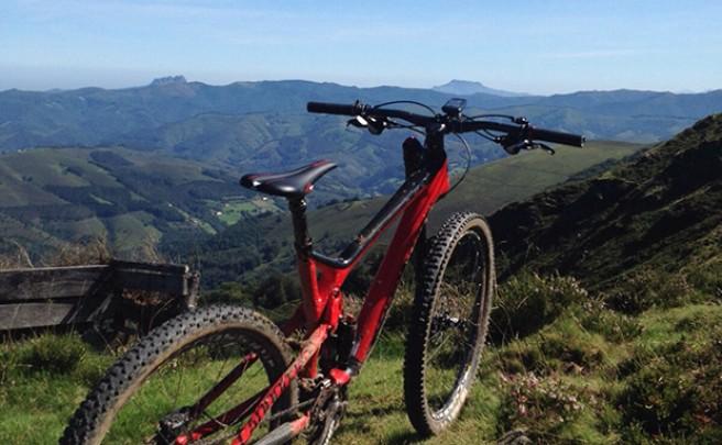La foto del día en TodoMountainBike: 'Montañas entre Gipuzkoa y Navarra'