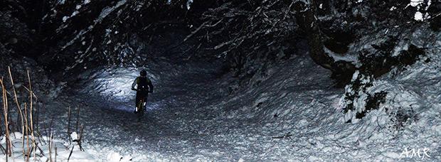 La foto del día en TodoMountainBike: 'Nieve y noche'