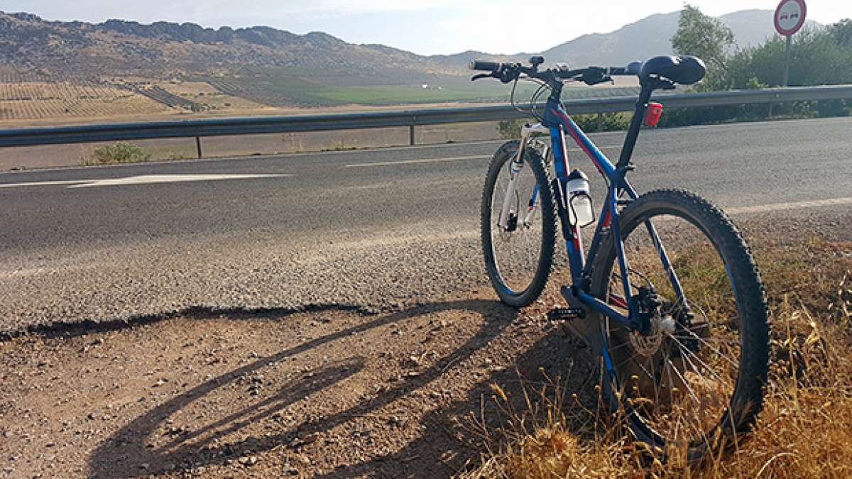 """La foto del día en TodoMountainBike: """"De ruta por La Mancha"""""""