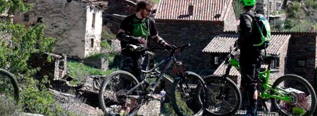 Descubriendo los monumentos 'naturales' de Madrid con los chicos de TrackMTB