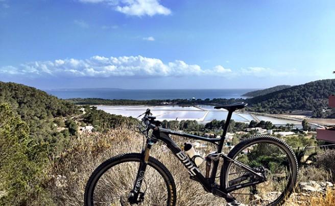 La foto del día en TodoMountainBike: 'Las Salinas de Ibiza'