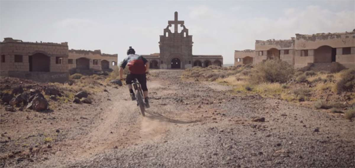 Sam Pilgrim + La nueva NS Bikes Snabb + La isla de Tenerife = Lección de Enduro