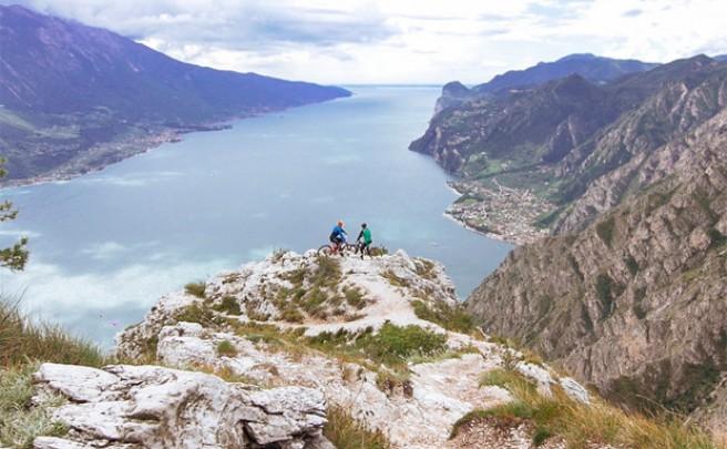 Rodando por los mejores senderos de Italia con Joe Barnes y Chris Akrigg