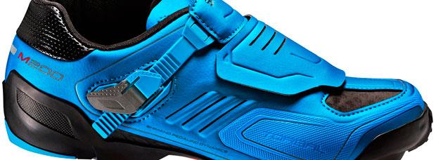 Nueva edición en azul para las zapatillas Shimano M200 y los pedales Shimano XTR M990 y M995