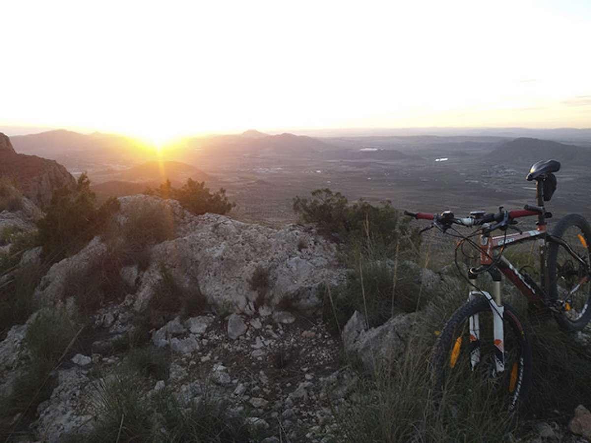 """La foto del día en TodoMountainBike: """"Atardecer desde la Sierra del Buey"""""""