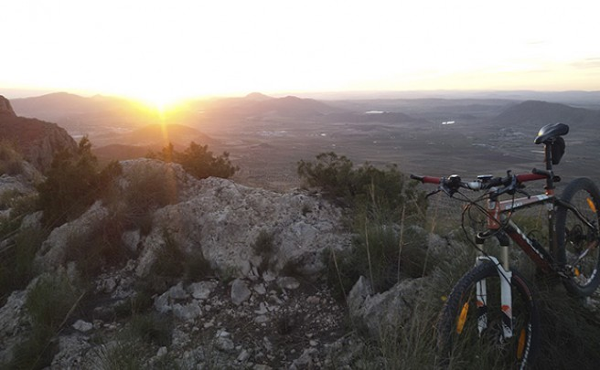 La foto del día en TodoMountainBike: 'Atardecer desde la Sierra del Buey'