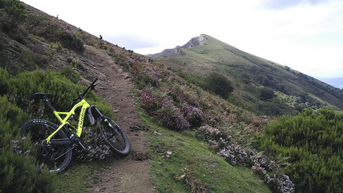 La foto del día en TodoMountainBike: 'Subida al monte Ganekogorta (Bilbao)'
