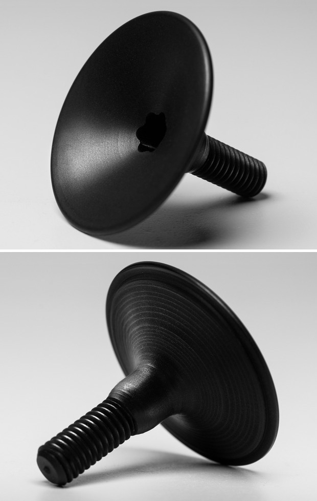 La ultraligera tapa de dirección de absoluteBLACK, disponible en España de la mano de Alpcross