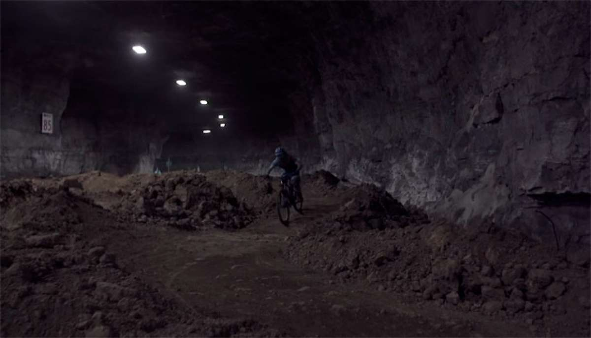 """The Mine"", o cómo rodar bajo tierra con Rob J. Heran del Canyon Bicycles Team"