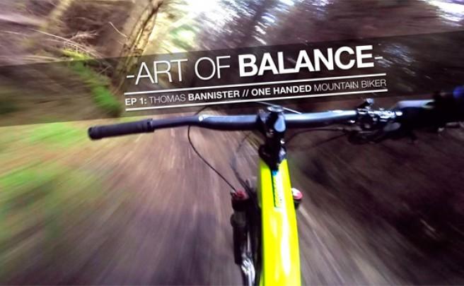 Así rueda Thomas Bannister, un valiente ciclista de montaña con un brazo paralizado