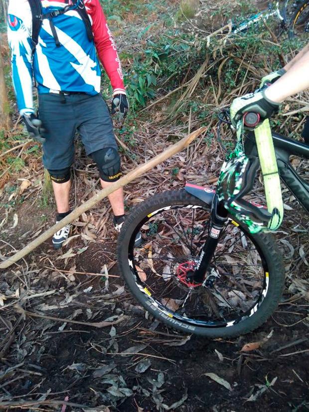 En pie de guerra: Las comunidades de montes de Pontevedra impedirán el acceso a los ciclistas