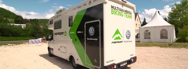 Así se transforma una autocaravana en un vehículo de asistencia oficial del Multivan Merida Biking Team