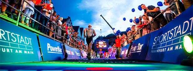 Un triatleta fallecido por beber únicamente agua durante la competición