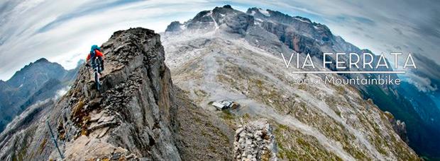 Haciendo una vía ferrata en los Dolomitas... sobre una bicicleta de montaña