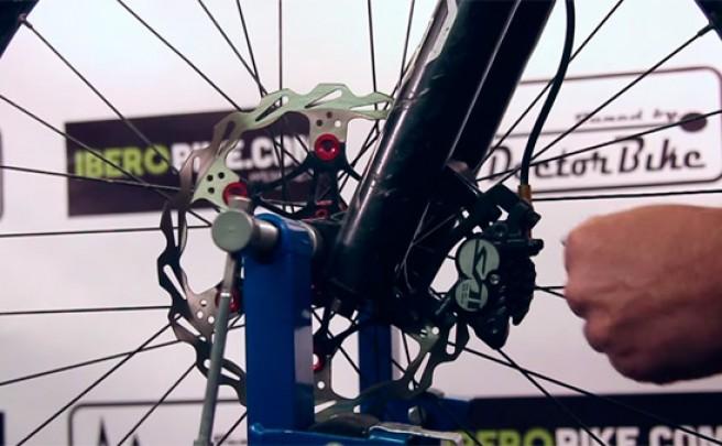 Cómo eliminar los molestos ruidos de los frenos de nuestra bicicleta