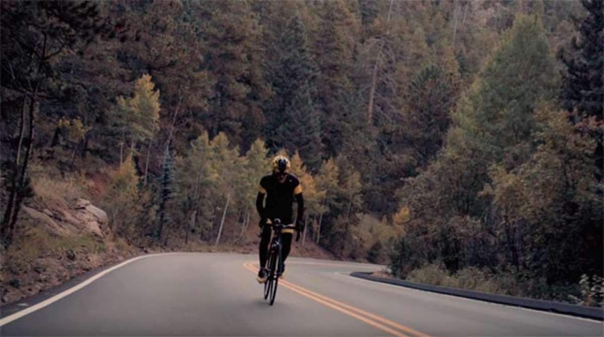 Subiendo en bicicleta el Pikes Peak, el segundo puerto asfaltado más alto de Estados Unidos