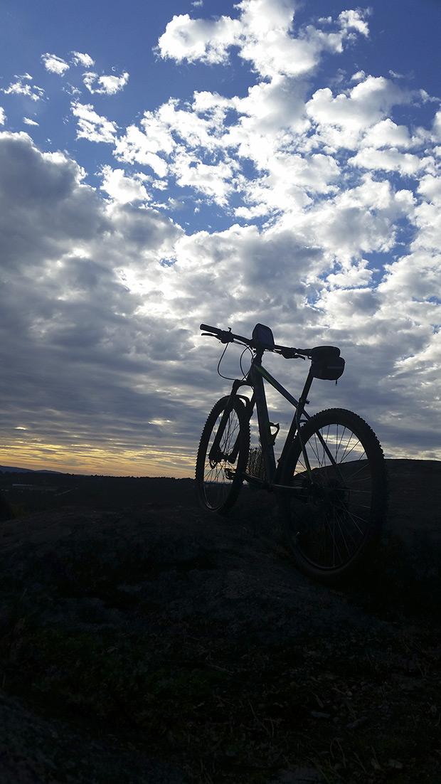 """La foto del día en TodoMountainBike: """"Atardecer desde los montes ourensanos"""""""