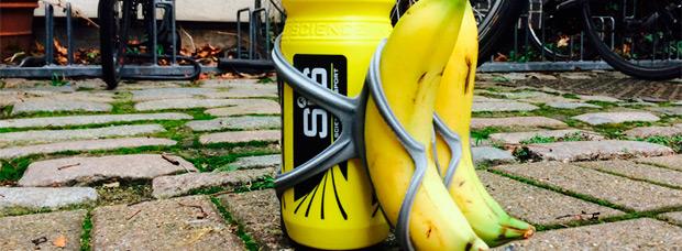 BananaBotCage, un portabidón con portaplátanos integrado para imprimir en 3D