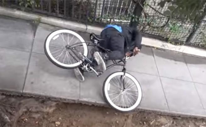 Una cámara oculta + Una bicicleta electrificada = El peor día para un ladrón