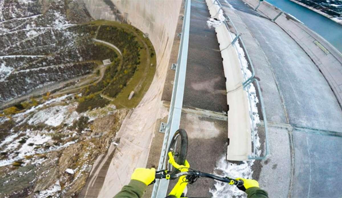 En TodoMountainBike: Fabio Wibmer jugándose la vida (literalmente) sobre una presa de 200 metros de altura