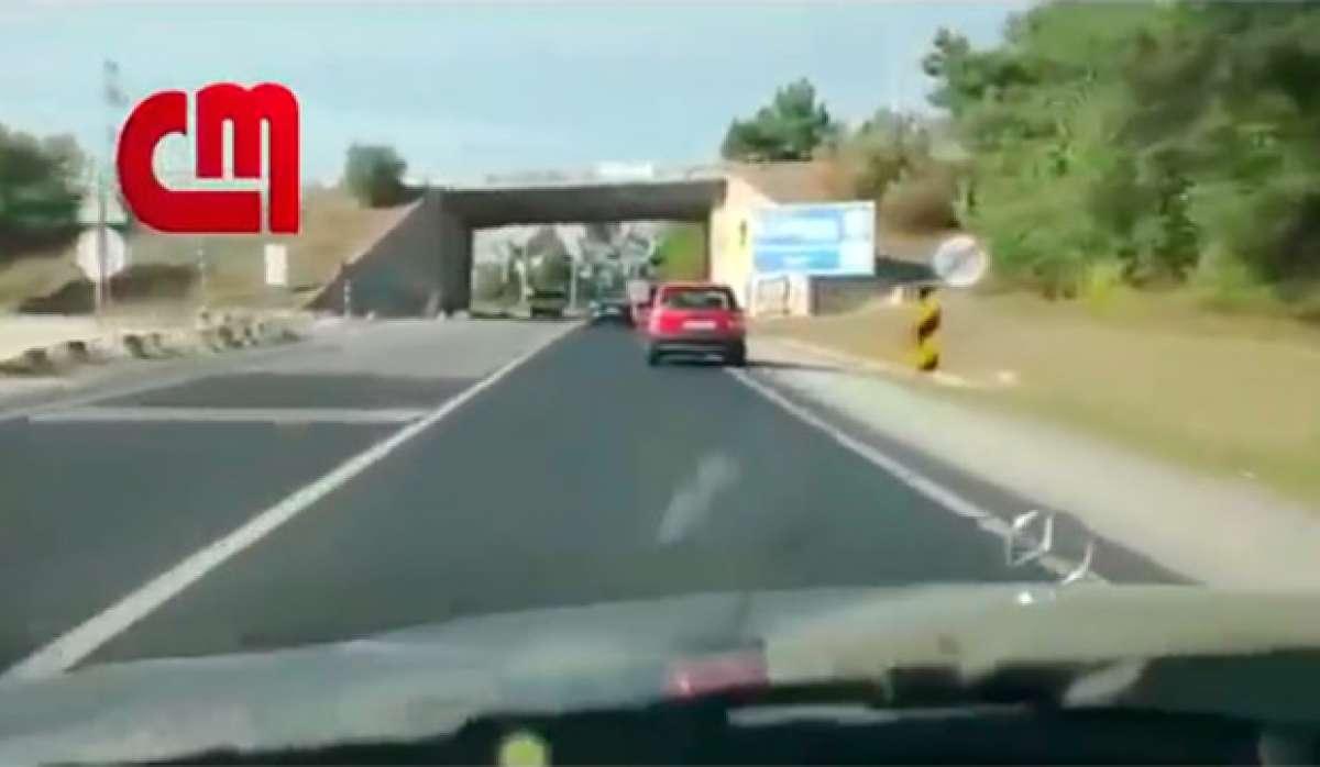 En TodoMountainBike: Así atropella un conductor a un ciclista de forma deliberada